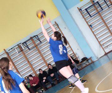 Cоревнования по волейболу среди женских команд